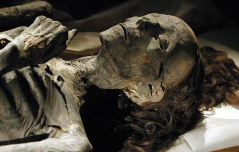 múmia mocnej kráľovnej Teje